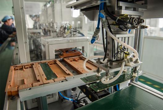 迪富电子自动焊接机吸板