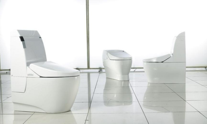 2015年,在一场日本马桶好还是国产马桶优的辩论中,智能马桶在国内迅速走红,并逐渐进入消费者视野。作为其核心的智能马桶遥控器技术也得到了很好的发展契机。经过了一年的持续发酵,智能卫浴的发展势头早已不可同日而语。  相对于其他卫浴单品,马桶应该是目前卫浴产品在智能领域开发上较为成熟的单品。在2016年的各大卫浴展上,智能马桶可谓是火力全开、百花齐放。智能马桶遥控器从基础功能到人机交互技术的进化应用,无不朝着用户更深处的体验上尝试开发和创新。而今后卫浴领域将会在相对成熟的马桶基础上,延伸至整个卫浴空间,逐渐实